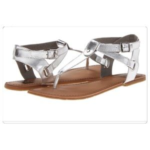 NWT, BC Footwear Metallic Silver Thong Sandals